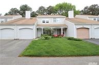 214 Ivy Meadow Ct Middle Island NY, 11953