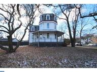 900 Andrews Ave Collingdale PA, 19023