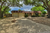 605 Weatherly Dr Windcrest TX, 78239