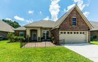 213 Woodhaven Youngsville LA, 70592