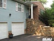 29 Roseville Ave Saint James NY, 11780