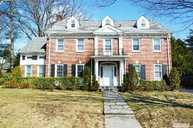 41 Arleigh Rd Great Neck NY, 11021
