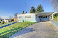 2106 Ne 7th St Renton WA, 98056