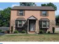 613 Lakevue Drive Willow Grove PA, 19090
