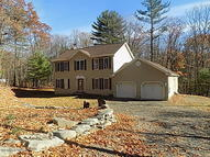 118 Blueberry Dr Milford PA, 18337