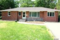 74 Howell Dr Smithtown NY, 11787