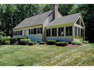 17 Tully St Windham NH, 03087