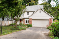 333 S 4th St Zionsville IN, 46077