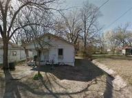 1435 W Houston Street Paris TX, 75460