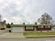 6824 S Nye E Cottonwood Heights UT, 84121