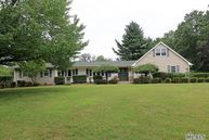 7 Hastings Dr Fort Salonga NY, 11768
