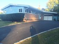 112 Valley Green Dr Aston PA, 19014