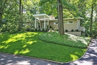 10 Londonderry Way Summit NJ, 07901