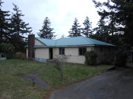 14 Geer Cir Port Orford OR, 97465