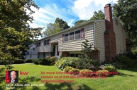 705 Blue Hill Dr Wallingford PA, 19086