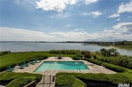 5 Windemere Close Hampton Bays NY, 11946