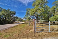 660 Sherwood Forest Dr Poteet TX, 78065