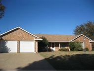 1207 Walter Way Elk City OK, 73644