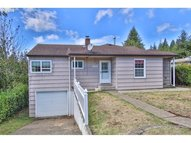 1651 N 16th Coos Bay OR, 97420