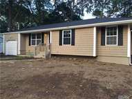19 Newtown Ave Selden NY, 11784