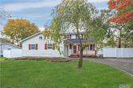 6 Mount Bear Ct Farmingville NY, 11738