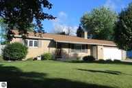 409 Devon Drive Saint Louis MI, 48880