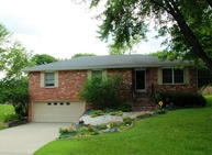 242 Fredricks Ln Jefferson City MO, 65101