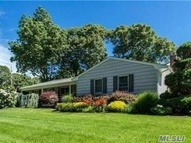 21 Reeves St Smithtown NY, 11787