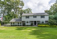 15 Washington Ave Setauket NY, 11733
