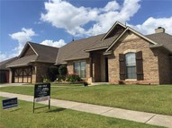 2121 Se 9th Moore OK, 73160