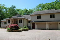 806 Hoover Court Lords Valley PA, 18428