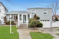 29 Waterview Pl Lynbrook NY, 11563
