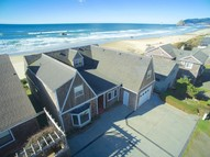 3947 Ocean Ave Cannon Beach OR, 97110