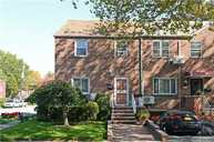 58-01 Clearview Expy Oakland Gardens NY, 11364