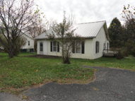 409 Mammoth Cave St Cave City KY, 42127