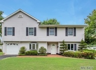 10 Howell Dr Smithtown NY, 11787