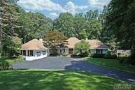 8 W Valleywood Ct Saint James NY, 11780