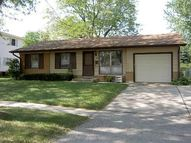 256 Holly Lane Elk Grove Village IL, 60007