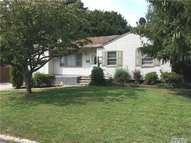 214 Lincoln Ave Brentwood NY, 11717