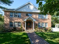 489 Roslyn Rd Williston Park NY, 11596