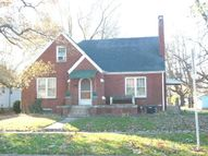 623 W. Third Saint Elmo IL, 62458