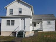 412 Walnut St Peckville PA, 18452