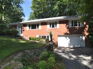 25 Priory Lane Pelham NY, 10803