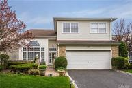 160 Windwatch Dr Hauppauge NY, 11788