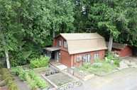 580 N Beacon Point Lp N Lilliwaup WA, 98555
