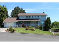 406 Nw 21st St Pendleton OR, 97801
