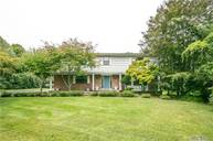 23 Pond View Dr Syosset NY, 11791