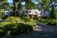 1 Hastings Rd Old Westbury NY, 11568