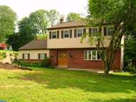 8 Mary Anne Dr Brookhaven PA, 19015