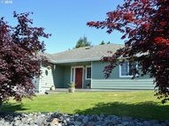 960 Hassett St Brookings OR, 97415
